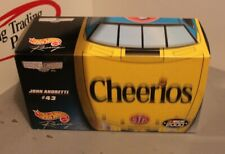 2000 John Andretti Cheerios's 1/24 Hot Wheels Crews Choice NASCAR Diecast