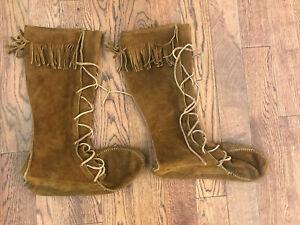 Minnetonka Suede Fringe Hunter Woodsman Boots Moccasins: 12-13