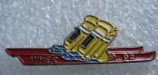 Pin's Une paire de Ski Hiver 92 Chaussure #F1