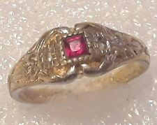 square stone. size 8 Vintage Class style ring. red