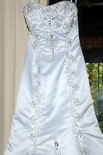 Jasmine Coutire Haute Elegant Wedding Gown Size 10 See details for measurements