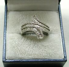 Beautiful Heavy 18ct White Gold Baguette & Round Diamond Set Large Dress Ring