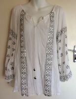 New KALYPSO by ADRIFT Sz M White Cotton Tunic Blouse Embroidery Sequins NWT