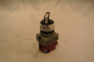 IDEC ASW2L01-116 2 Position Selector Switch [WHSE-02.26a3]
