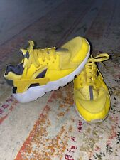 Boys Size 7 Yellow Athletic Tennis Shoes