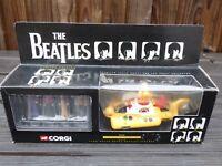 CORGI THE BEATLES YELLOW SUBMARINE 05403 Vintage Toy & 4 White Metal Figures