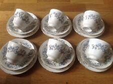 Paragon Winchester modèle 6 Thé tasses, 6 Soucoupes, 6 petites assiettes (6 Trios)