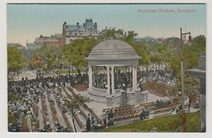 Lancashire postcard - Municipal Gardens, Southport - (A200)