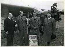 Rallye Aérien des Grands Vins de Touraine- 1930s French Airplane Race - 5 photos