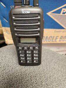 1 USED F33GT FULL KEY PAD  VHF 136-174  IC-F33GT#06USA02 excellent condition