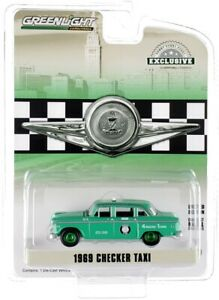 """Chase 1969 CHECKER TAXI GREEN """"ZONE CAB CO."""" 1/64 DIECAST CAR GREENLIGHT 30232"""