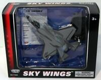Motormax Skywings 1/100 Scale 77039 - F-35 Lightning II With Display Stand
