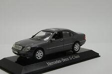 Mercedes S - Klasse Maisto Dealer 1/43