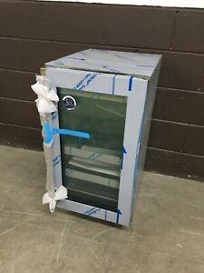 "U-Line 18"" Glass Stainless Frame Refrigerator Undercounter - UHRE518-SG01A"