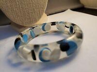 Cute vintage blue black white lucite bracelet bangle