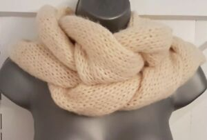 SNOOD Scarf Ivory Soft Chunky Knit VGC Ladies Women's WINTER Warm Cosy