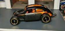 HOT WHEELS - LARRY'S GARAGE CHASE CUSTOM VOLKSWAGEN BEETLE SIGNED  (REAL RIDERS)