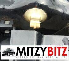 BONNET PROP HOLDER CLIP for MITSUBISHI PAJERO SHOGUN MK3 99-06 3.2 DID 3.5 GDI