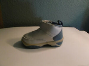 ONE only Nike Melo Air Jordan Baby Shoe Size 4C