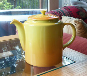 Le Creuset Grand Teapot Yellow, 1.5 quart Stoneware (NIB) 1.5 quarts