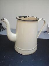 Ancien Pot à Eau
