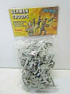 VINTAGE 1983 WWII GERMAN TROOPS ARMY MEN SOLDIER TOYS MINER INDUSTRIES MPC