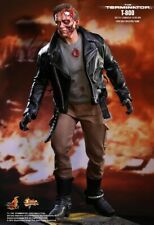 Hot Toys MMS238 The Terminator T-800 ( Battle Damaged Version ) NEUF !
