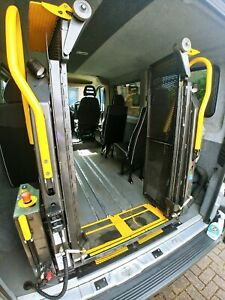 wheelchair lift . Braun corporation