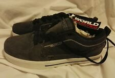 SKATER SHOES SIZE 7.5 NEW WORLD INDUSTRIES