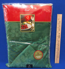 """Home Wear Christmas Tablecloth & 6 Napkin Set Noel Green Holly Flower Round 70"""""""