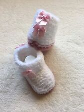 Hand Knitted Baby Girls White Snugg Boots Wiv Pink Bows Winter Warm Newborn