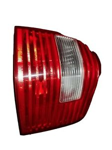 2005 2006 2007 Ford Freestyle Tail Light Right (passenger side)