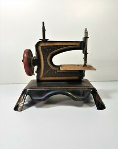 Old Toy - Machine A Sew D Child