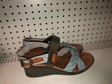 Keen Skyline Womens Wedge Platform Buckle Sandals Size 9 Multi Color
