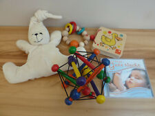 Baby Spielzeug 5tlg Set Skwish Selecta Holz Greifling Buch CD Kuschelbär Sleepy