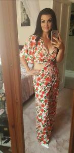 Stunning Boohoo Ladies Size 14 Petite Length Summer Floral Jumpsuit