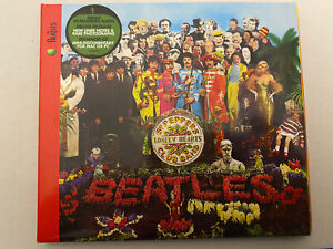 The Beatles - Sgt Pepper's CD (2009 Remaster) 6 Panel Digipak and Booklet - MINT