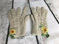 Vintage Floral Crochet Dress Gloves.  Child Kid 1st communion, wedding, Easter