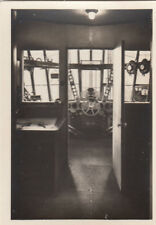 N°87 LZ 127 Facing view driver's cab ZEPPELIN Dirigible AIRSHIP CARD IMAGE 30s