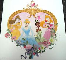Sticker mural pailletté Princesses Disney Belle Cendrillon Tiana Aurore