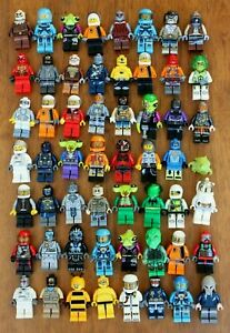 1x LEGO Minifig Alien Conquest Zombie Space Droid Mars Star Wars or Robot