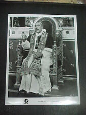 SHOES OF THE FISHERMAN, orig MGM 8x10 [Anthony Quinn as a Pope]