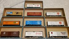 ATHEARN 10 PIECES HO SCALE BOXCARS LOT