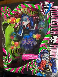 New Monster High Doll Ghoulia Yelps Sweet Screams