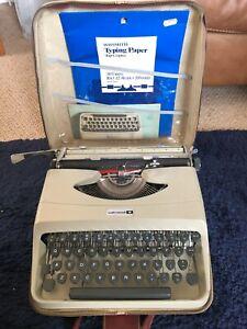 Underwood '18' Portable Typewriter & Carry Case Vintage Scientific / Maths Keys