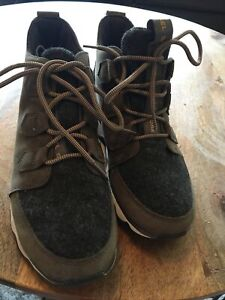 Sorel Womens Kinetic Caribou Lace Up Sneaker Boot Olive