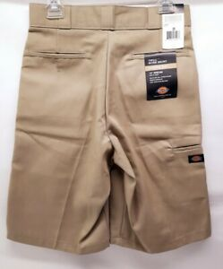 Dickies Loose Fit Multi-Use Pocket Work Shorts Khaki 42283 Size 30 x 13 NEW Tags