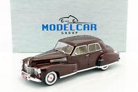 Fleetwood Series 60 Special Sedan Year 1941 Dark Red 1:18 Model Car Group