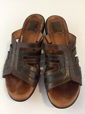 Clarks Artisan Brown Leather Sandals Wedge Womens Size 8 Medium Slip On Reptile