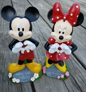 "Disney Mickey & Minnie ""LOVE GROWS HERE"" Garden Heart Shape Hands Garden Figures"